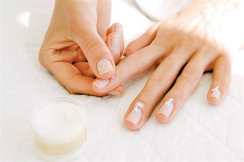 灰指甲都有哪些症状