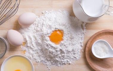 玉米鸡蛋煎饼的做法步骤1:准备材料