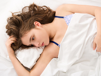 女性健康私密事第42期:夏季妇科病高发 经期注意防寒