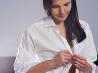 女性健康私密事第44期:夏季不做黑美人 防晒衣靠谱吗?