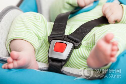 婴幼儿-尿床-安全座椅