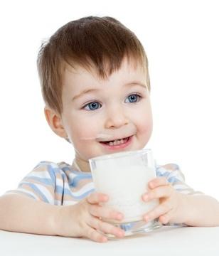 宝宝补钙光靠吃奶片不靠谱