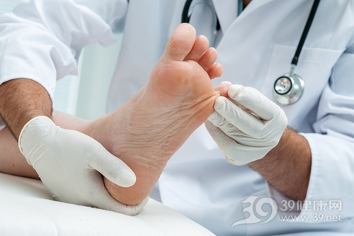 医生 检查 皮肤 脚趾 脚板 关节_29766673_xxl