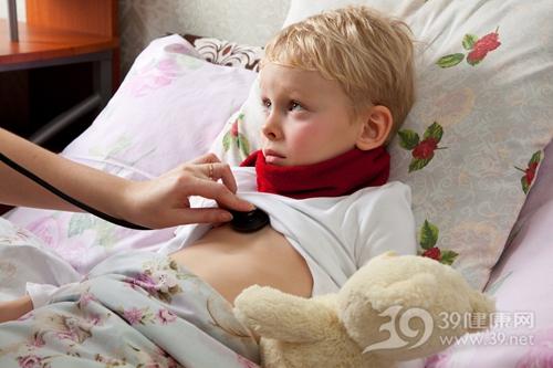 孩子 男 生病 听诊器 心跳 肺部 病床 卧床_16574071_xxl