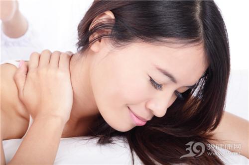 青年 女 颈椎 疼痛 按摩_13643487_xxl