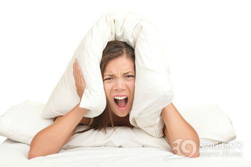 经期头痛烦躁不堪 中医专家教你四招应对