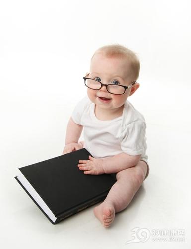 孩子 婴儿 书本 阅读 看书 眼镜 学习_9939636_xxl