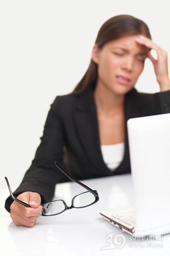 青年 女 工作 商务 办公 头痛 头晕 眼镜 疲劳_8297106_xxl