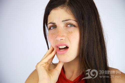 青年 女 牙齿 口腔 疼痛 牙痛_15390998_xxl