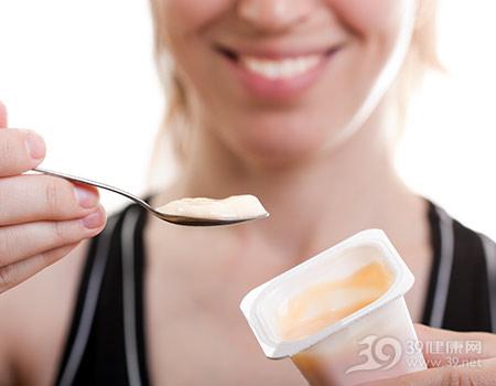 青年-女-酸奶-乳酪-勺子_7256937_xxl