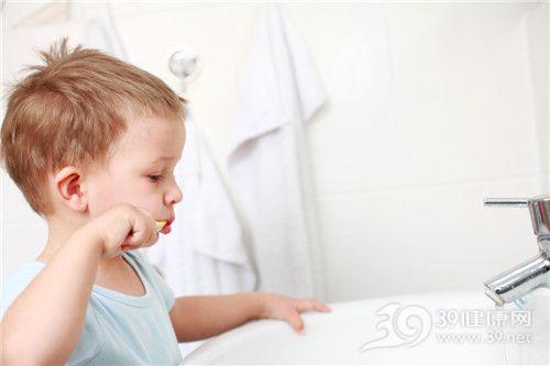 孩子 男 刷牙 牙齿_7097917_xl