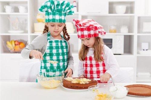 让孩子进厨房 吃得更健康