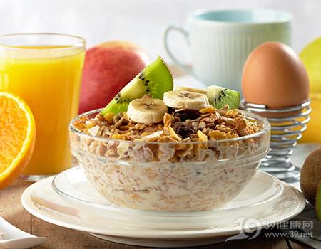 早餐-五谷-粗粮-谷物-香蕉-猕猴桃-橙子-橙汁-鸡蛋-苹果_11141018_xxl