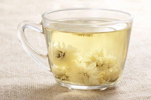 提醒:五类人千万不要喝菊花茶