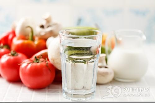 水 杯子 西红柿 牛奶 蘑菇_28855794_xxl