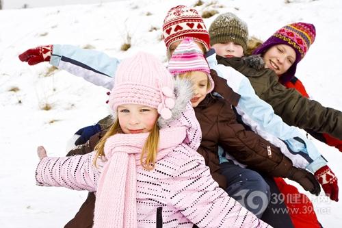 孩子 男 女 冬天 寒冷 雪地 下雪 羽绒 帽子 玩乐_15574793_xl