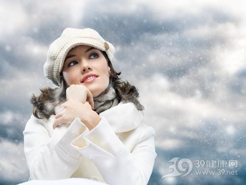 青年 女 冬天 寒冷 温暖 帽子 大衣 下雪_10899215_xxl