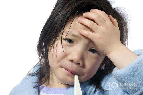 孩子 女 生病 发烧 头痛 温度计_3482241_xxl