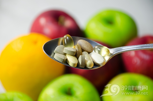 维生素 维他命 药片 药物 苹果 橙子 水果 补充剂_30072397_xxl