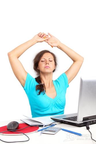青年 女 工作 疲惫 累 伸懒腰 运动 伸展_7365079_xxl