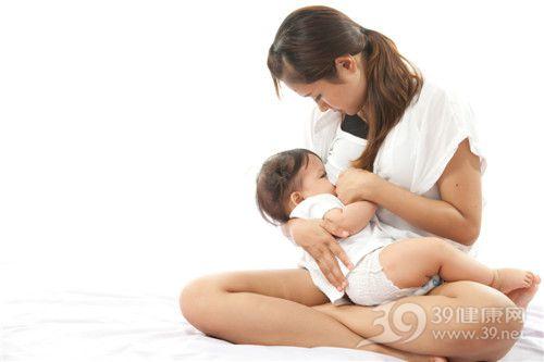 女人产后胸部保健得当 也可挺胸做美妈