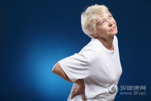 """33%更年期女性患骨质疏松 防骨质疏松贵在""""早"""""""