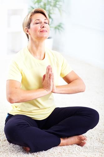 中老年 女 瑜伽 盘腿 运动_14010086_xxl