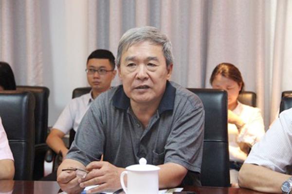 中国医药卫生事业发展基金会副秘书长赵金相 ()