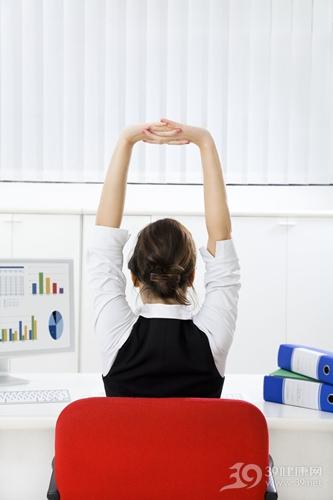 教你四招快速瘦手臂瑜伽