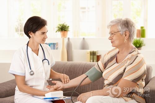 中老年 女 医生 护士 量血压 血压计 高血压_7639252_xxl