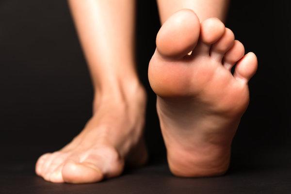 透过指甲颜色识健康 健康的指甲长啥样?