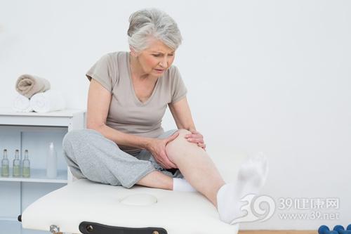 中老年 女 膝盖 关节 骨头 疼痛