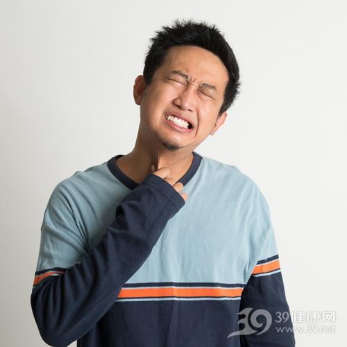 青年 男 喉咙痛 生病 疼痛 咽喉 咳嗽_30173625_xxl