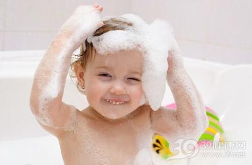 冬季宝宝皮肤干痒怎么办?注意肌肤保湿