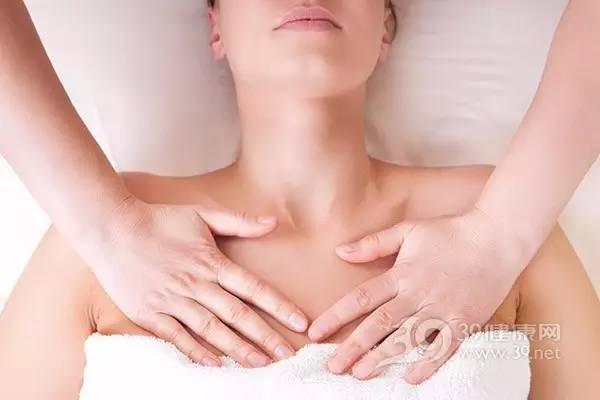 女性乳房按摩得当 乳腺增生绕路走