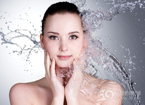 总呆在干燥空调房该如何给肌肤补水?