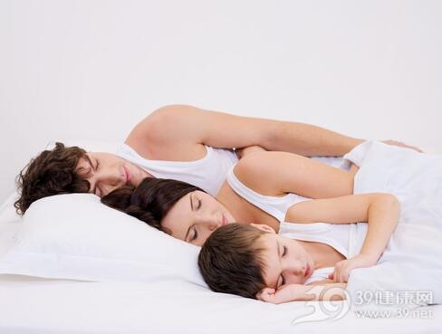 和宝宝同房睡还能过性生活吗?