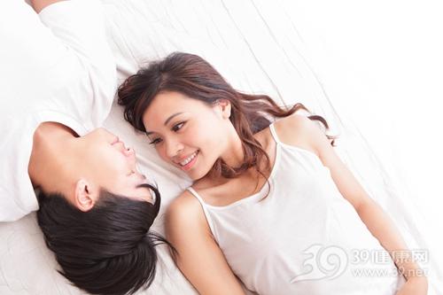 青年 男 女 情侣 爱情 夫妻 睡衣 床_21171121_xxl