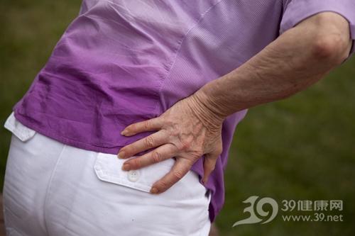 中老年 腰椎 腰部 腰痛 疼痛_6302491_xxl