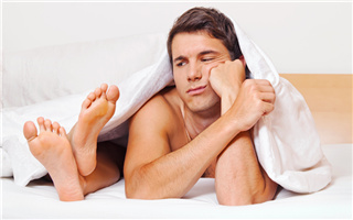 青年 男 夫妻 情侣 床 争吵 不和 两性_16379065_xxl_副本