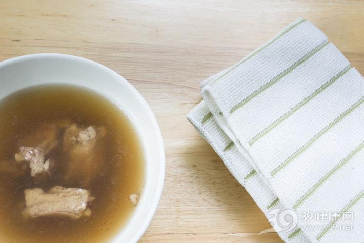 喝骨头汤=补钙?实验证明还不如一盒牛奶