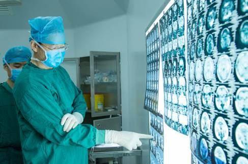 流鼻血竟然是肿瘤作祟?看鼻内镜外科专家巧手切除