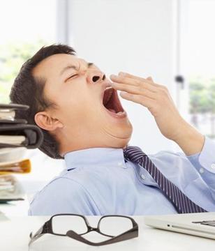 白天犯困总想睡?可能是这两种病