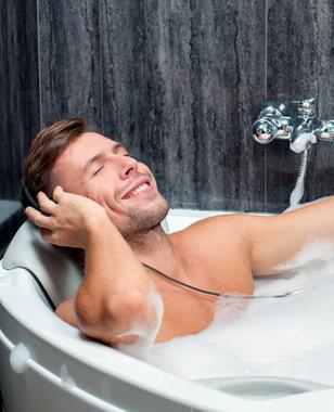 男性这样洗澡会影响性功能,很多人这样做