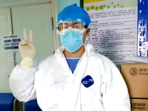 """援鄂医生蒋伟平:为重症患者点燃""""生""""的希望"""