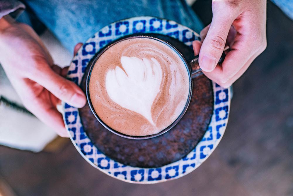 """嗜咖啡如命,但咖啡却是把""""双刃剑"""",你真的那么需要"""