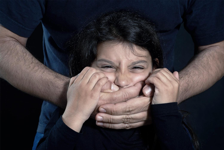 追问鲍某明性侵案背后:为何多数受害者选择沉默?