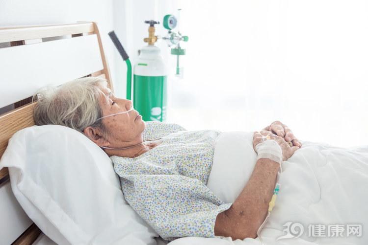 连续9天这么服用感冒药,她被送进了急诊室!快提醒身边人