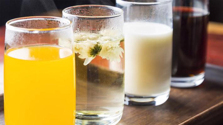减肥喝什么好?果汁、茶水、咖啡、豆浆...