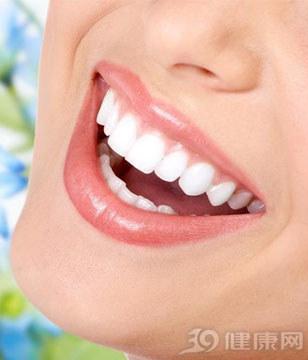 这6个牙齿美白妙招